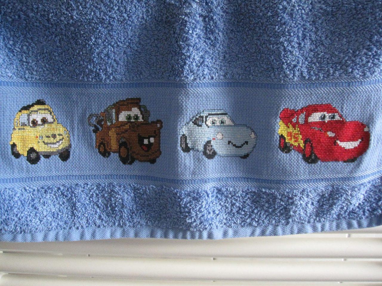 besticktes Handtuch – Disney Cars
