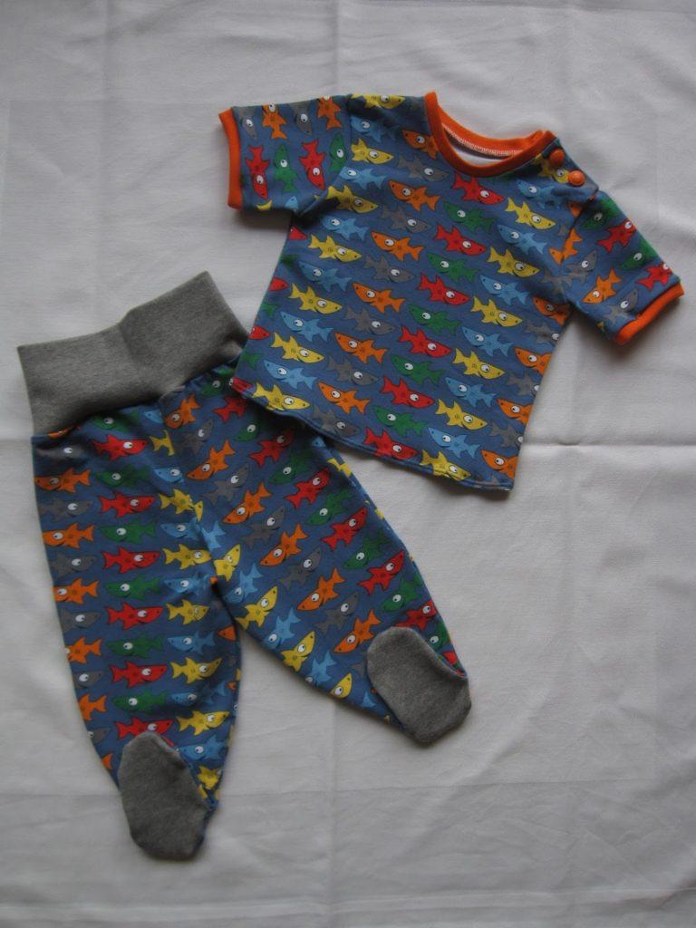 Fisch Babyhose mit Füßen Gr. 68