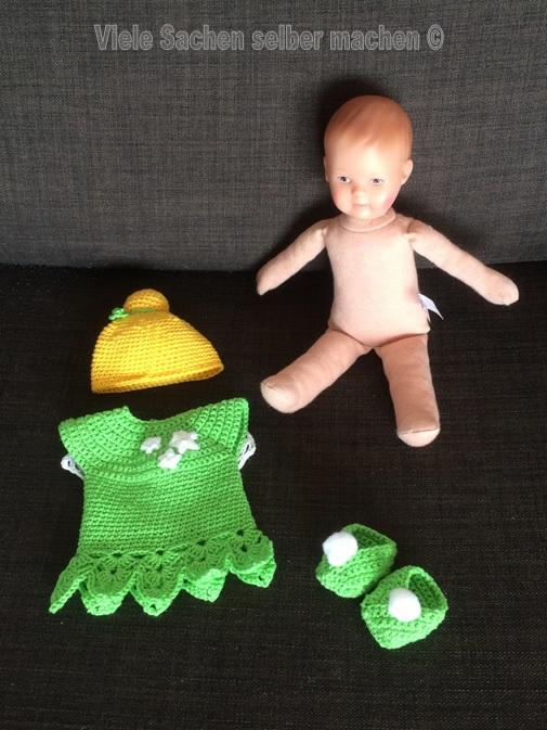 gehäkeltes Tinkerbell Outfit für die Puppe